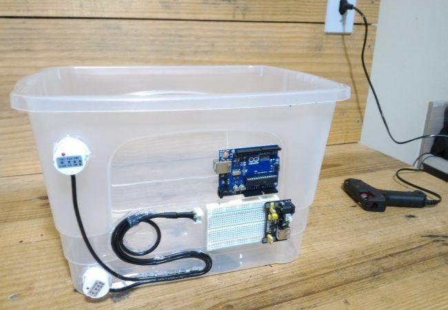 img05_arduino_detector_de_nivel_de_liquido_sem_contato_com_o_sensor_xkc-y25-pnp_agua_mode_esp8266_capacitivo