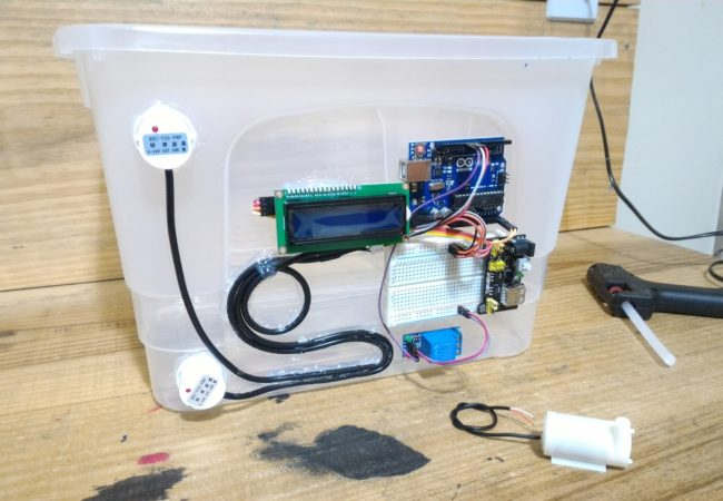 img07_arduino_detector_de_nivel_de_liquido_sem_contato_com_o_sensor_xkc-y25-pnp_agua_mode_esp8266_capacitivo