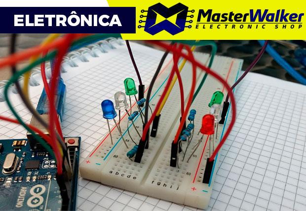 Montagem de circuito na Protoboard